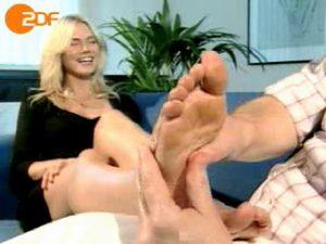 Heidi gets a live cam massage